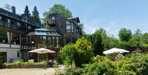 __{offers.Best_flights}__ Logis Hostellerie De La Claire Fontaine