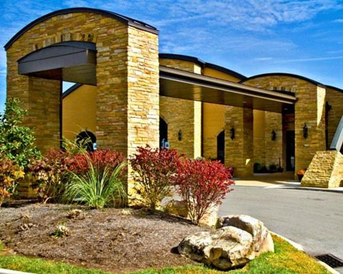 Vacation Homes Perched on Top of the Cumberland Plateau - Apartment - Fairfield Glade