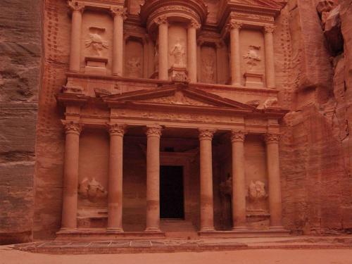 . Mövenpick Resort Petra
