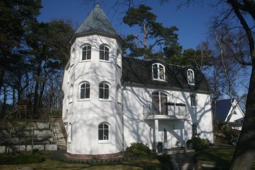 . Villa Heinrich