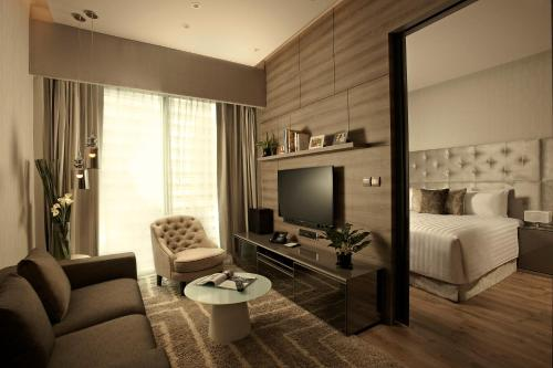 Staycation Offer - Deluxe One-Bedroom Apartment