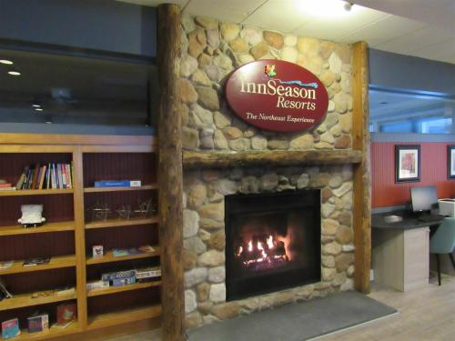 . 2 Bedroom Condo Winter Retreat at Pollard Brook Resort Near Loon Mountain - PB Feb 19th-26th, 2Lev
