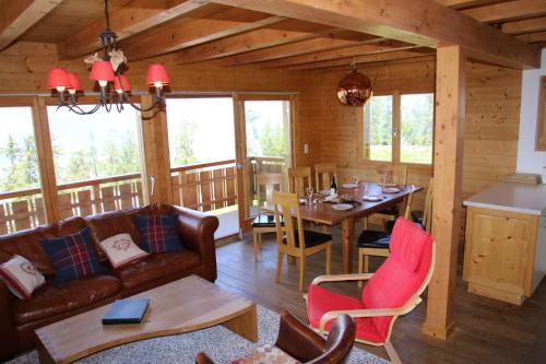 Wanderoo MOUNTAIN & COSY chalet 10 pers by Alpvision Résidences - Hotel - Veysonnaz