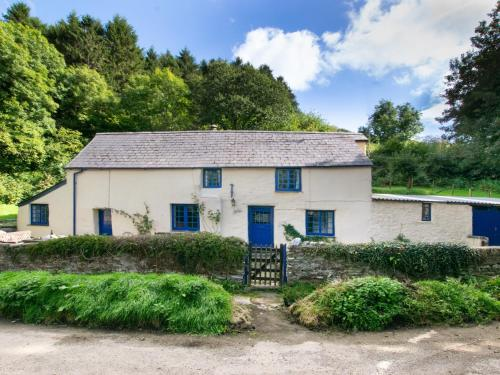 Beautiful Holiday Home In Milltown With Garden, Lostwithiel, Cornwall