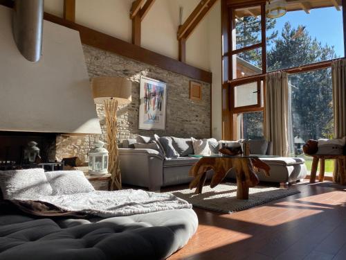 Pirin Golf and Spa Luxury Chalet - Accommodation - Bansko