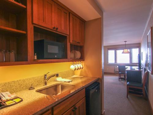Crystal Mountain - Accommodation - Thompsonville