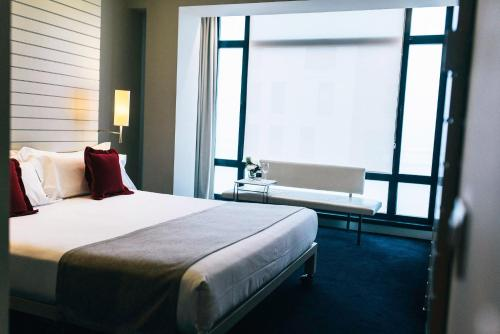 Double Room with City View with Guggenheim Package - single occupancy Hotel Miró 6