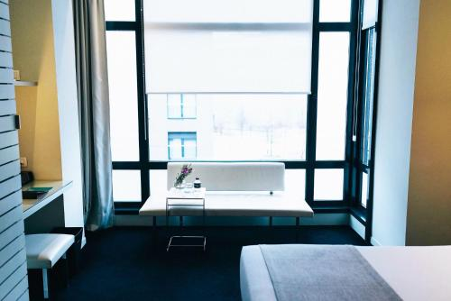 Superior Double Room with Guggenheim Package - single occupancy Hotel Miró 4