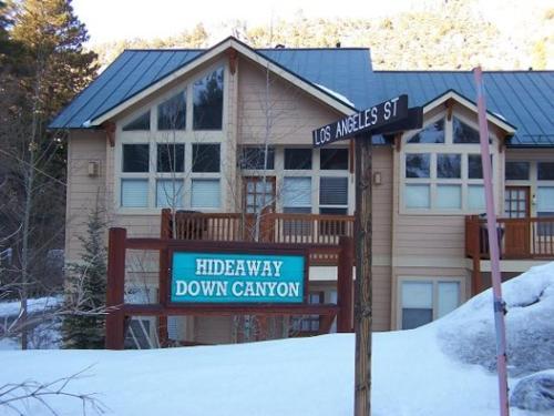 Hideaway Down Canyon #103 - 3BR/2.5BA Vacation Home - Apartment - June Lake