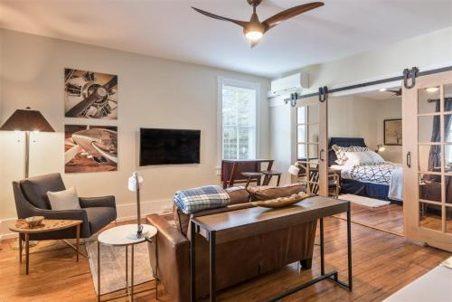 . Southern Luxury Apartment