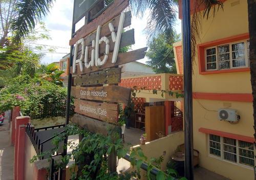 . Ruby - Casa de Hospedes - Backpackers