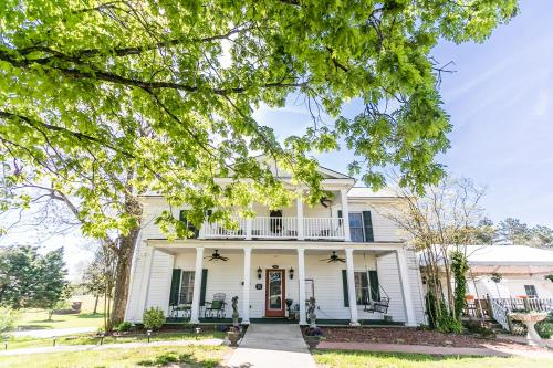The Babcock House - Accommodation - Appomattox
