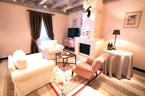 Suite Junior Executive Hotel Pago De Cirsus 1