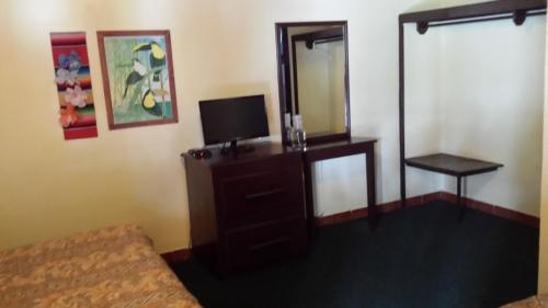 Ensenada Inn