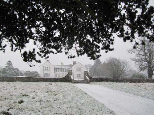 Cavens Country House