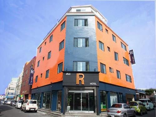 . Jeju R Hotel & Guesthouse