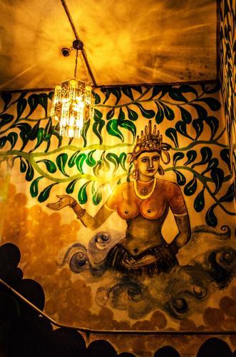 Rajapihilla Mawatha, Kandy 20000, Sri Lanka.