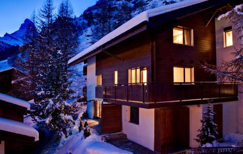 Chalet and Penthouse Zen, two Properties, 100m from Ski Lift and Piste - Zermatt