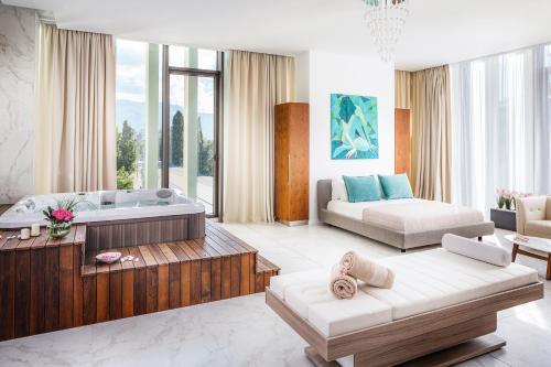 Festive Spa Suite