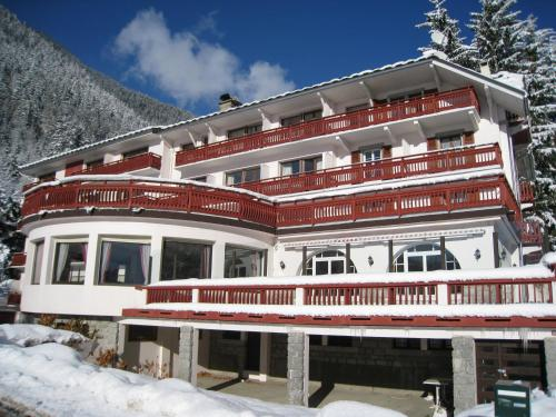 Accommodation in Sausses