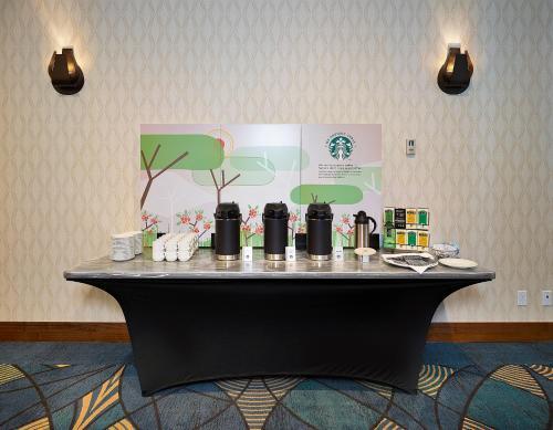 DoubleTree by Hilton Hotel - Conference Centre Regina - Regina, SK S4P 1Y2