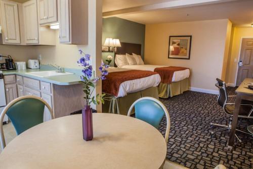 . Marinwood Inn & Suites