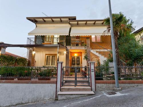 . Casa Marinella Destra