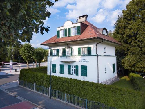 . Villa Gelbmann - Ferienwohnungen Velden