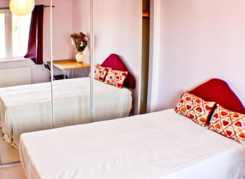 Luton Airport Guest House