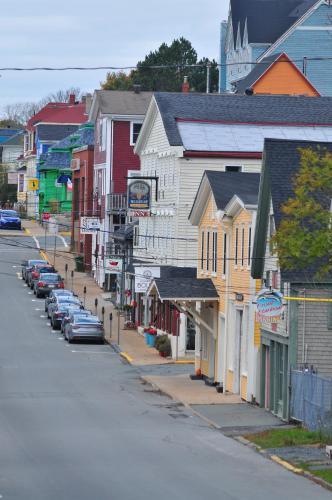 Smugglers Cove Inn - Photo 3 of 47