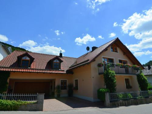 . Roofed Apartment in Prunn Bavaria with lush green garden