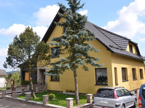 . Small and cosy apartment in Frauenwald Thuringia with forest nearby