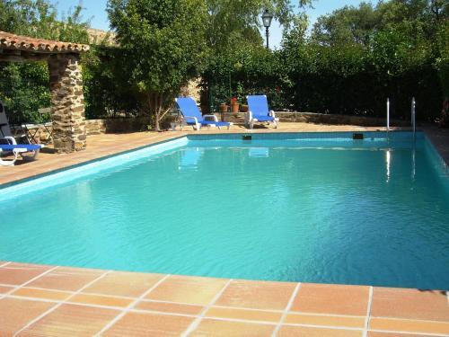 . Modern Apartment in La Acena de la Borrega with Pool