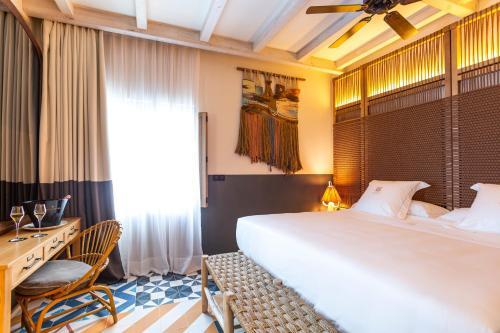 Superior Double Room Hotel La Torre del Canonigo - Small Luxury Hotels 23