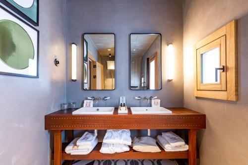 Superior Double Room Hotel La Torre del Canonigo - Small Luxury Hotels 18