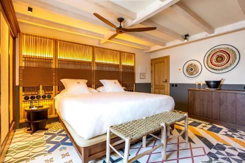 Superior Double Room Hotel La Torre del Canonigo - Small Luxury Hotels 15
