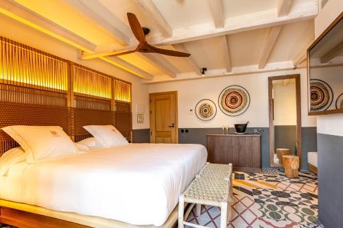 Superior Double Room Hotel La Torre del Canonigo - Small Luxury Hotels 17