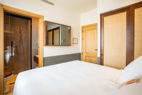 Basic Double Room - Sea View Hotel La Torre del Canonigo - Small Luxury Hotels 12