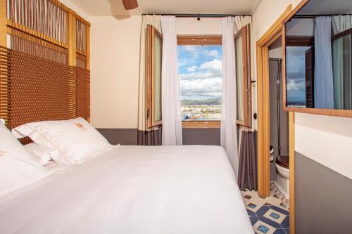 Basic Double Room - Sea View Hotel La Torre del Canonigo - Small Luxury Hotels 8
