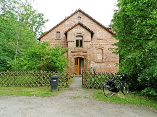 . Modern Apartment in Furstenwalde with Private Garden