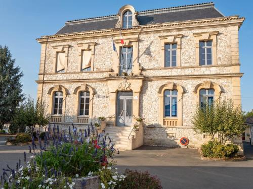 . Attractive Villa in Velines with Private Garden
