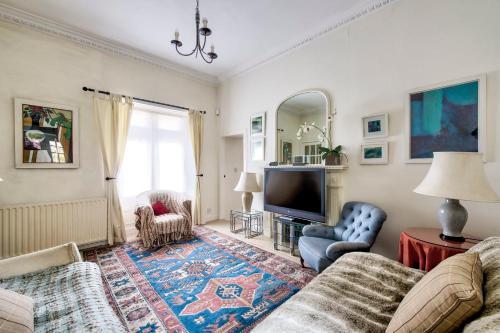 GuestReady - Homely Flat Near Holyrood Park