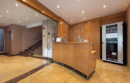 Aparthotel Iceberg - Apartment - Andorra la Vella