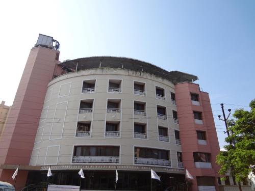 . Daspalla Executive Court