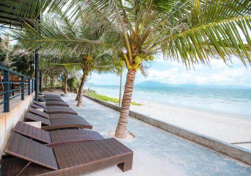. Quyet Thang Doc Let Hotel & Beach