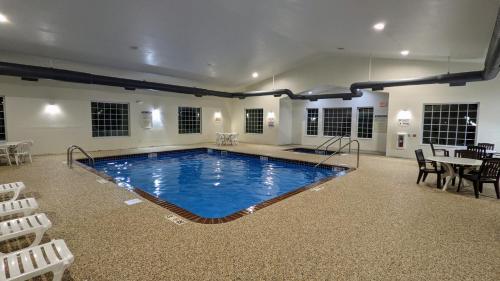 . Estherville Hotel & Suites