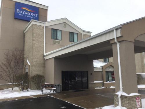 Baymont by Wyndham Flat Rock - Hotel