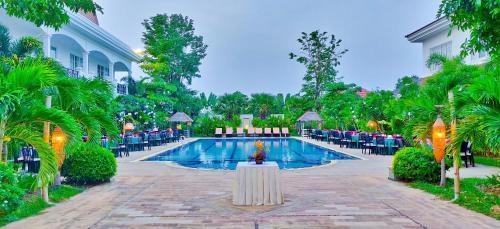 . Glorious Hotel & Spa