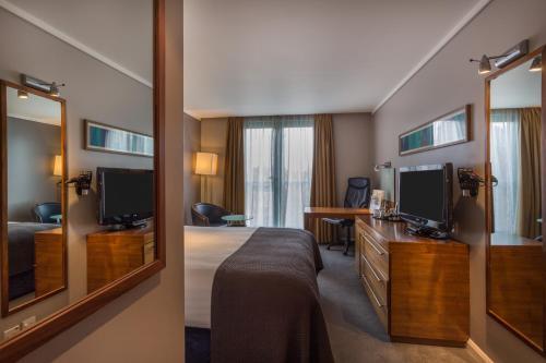 Holiday Inn London Camden Lock, an IHG Hotel - image 3