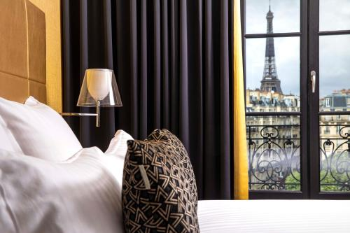 First Hotel Paris Tour Eiffel - Hôtel - Paris